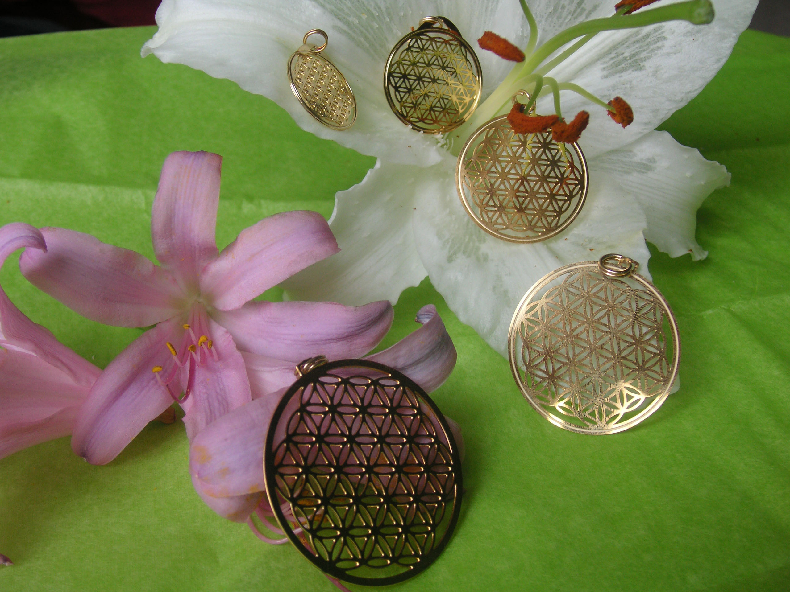 Gold Flower of Life in 5 Sizes
